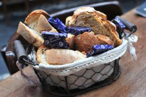le di vin bread basket
