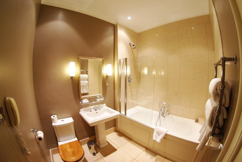 Mar Hall Bathroom
