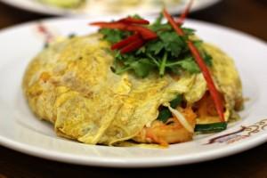 Best noodles: Pad thai at Pad Thai Thip Samai, Bangkok chowzter awards food drink glasgow blog