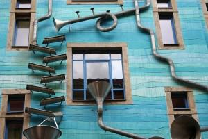 """Courtyard of Elements"" in Kunsthofpassage"