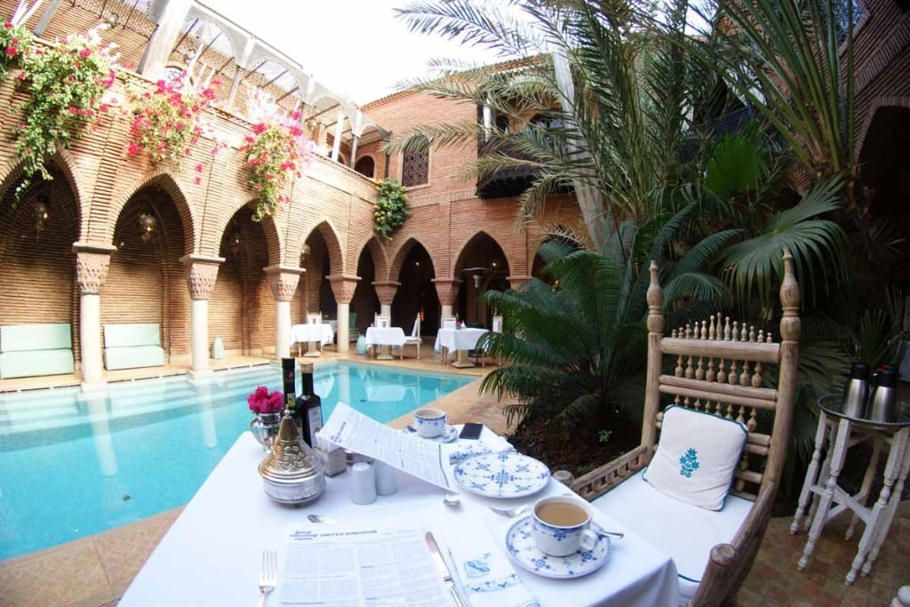 La Sultana - breakfast by the pool