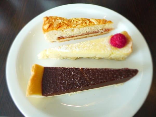 Hilton_Garden_inn_cakes