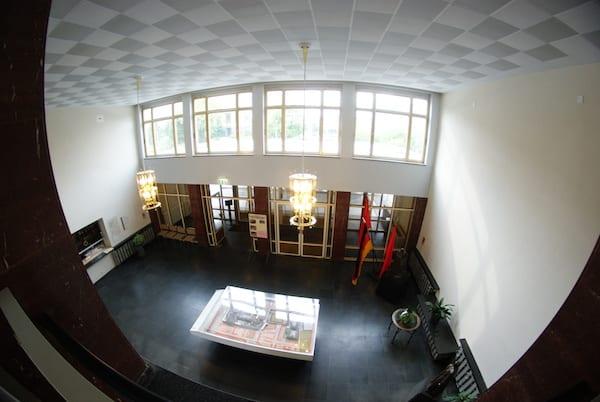 Stasi_museum_berlin_foyer.