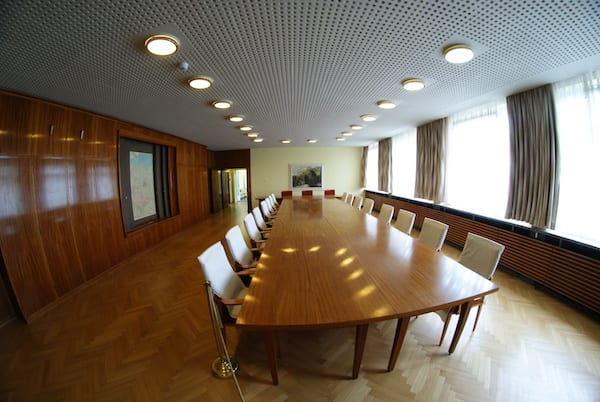 Stasi_museum_berlin_meeting_room