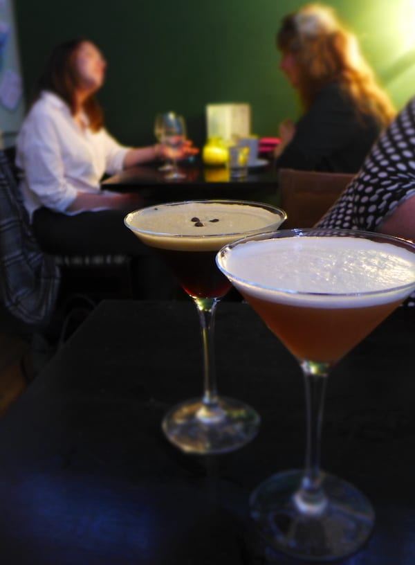 glasgow foodie explorers Bell_and_Felix_cocktails_table