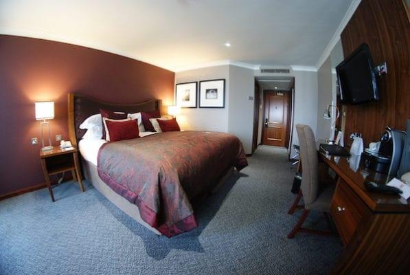 holyrood hotel macdonald edinburgh
