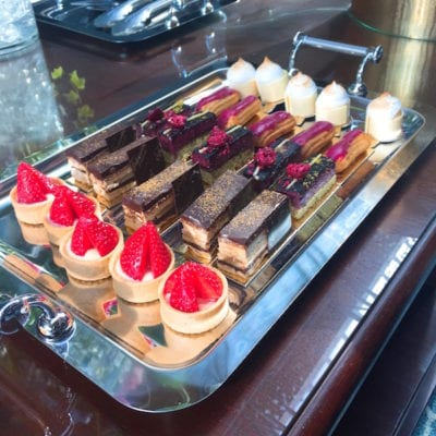 fairmont-st-andrews-small-cakes
