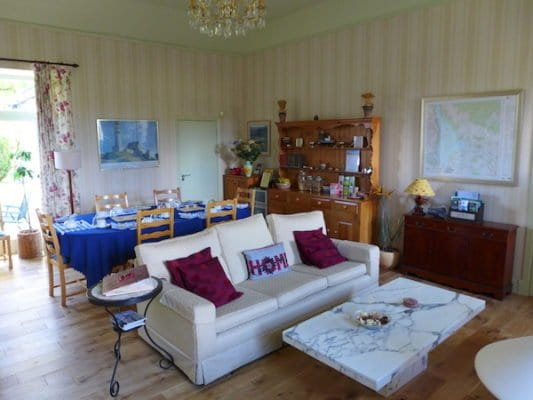 The Old School House Lounge