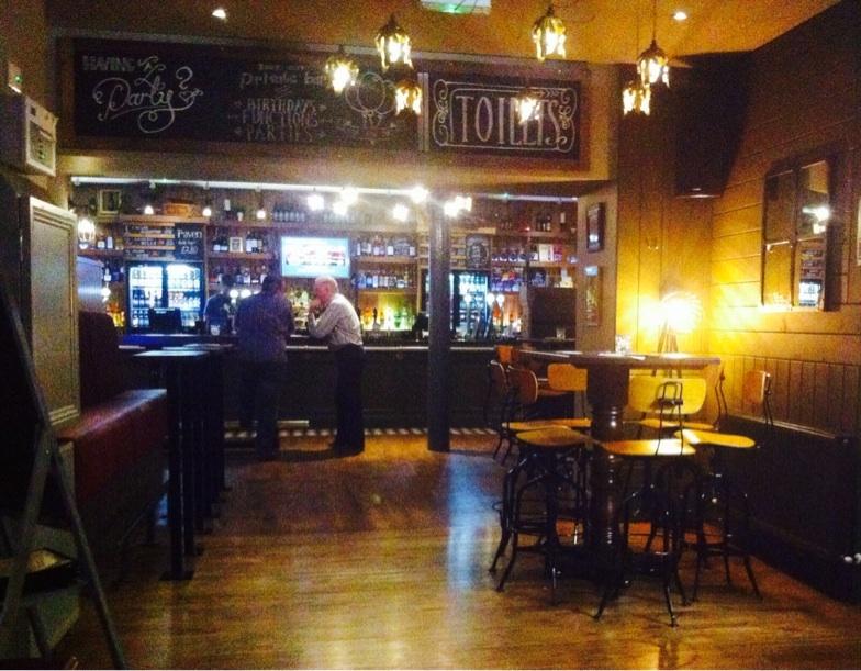 Inside interior The raven pub bar Glasgow maclay inns food drnk Glasgow blog 81 Renfield street