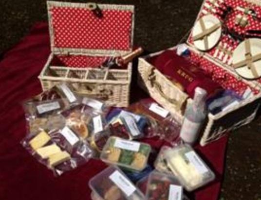 Picnic Basket Restaurant Happy Hollow : Wedgwood edinburgh picnic baskets foodie explorers