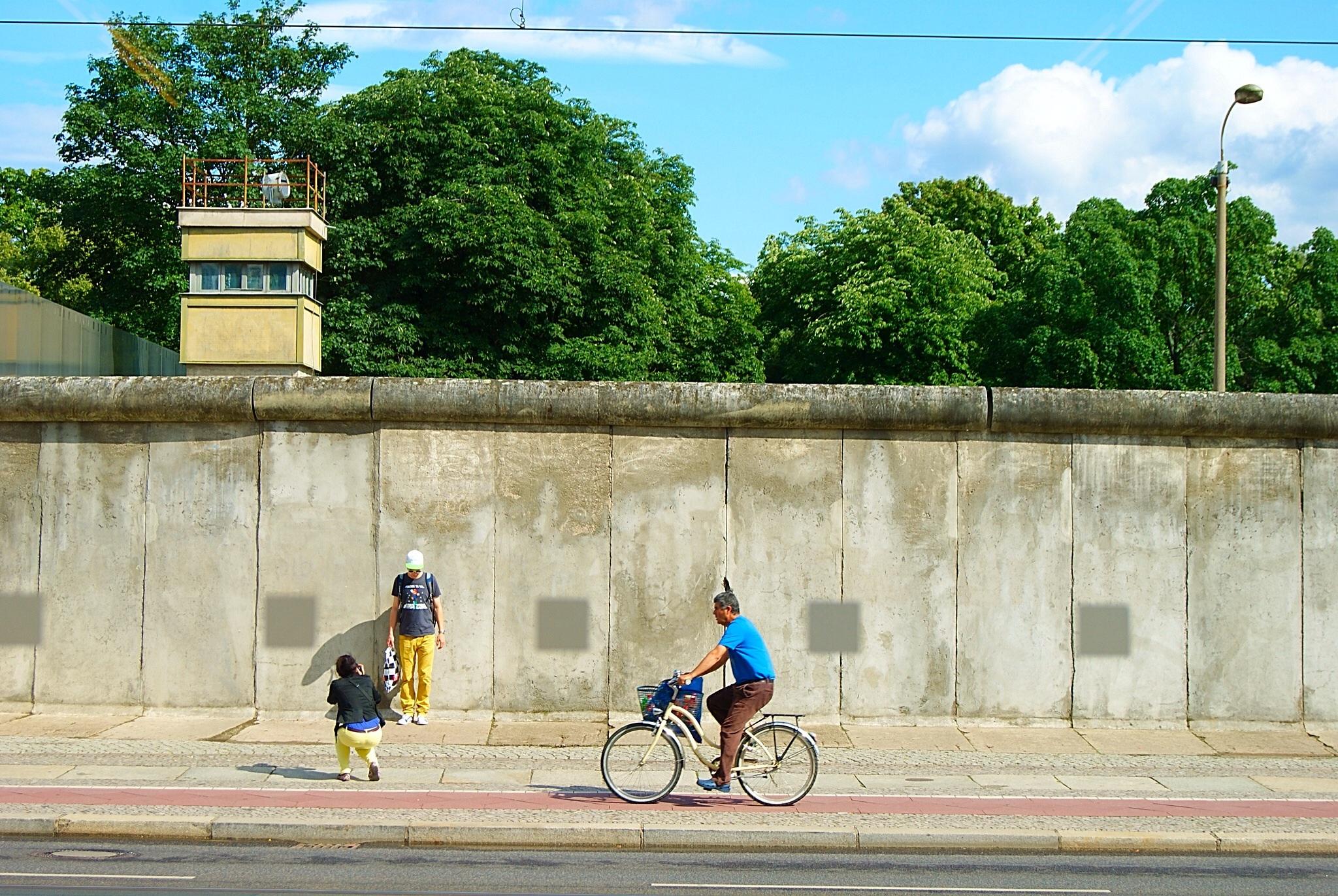 25 years berlin wall foodie explorers. Black Bedroom Furniture Sets. Home Design Ideas