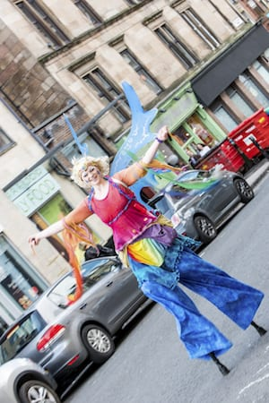 Stilt Walker 2 visit west end