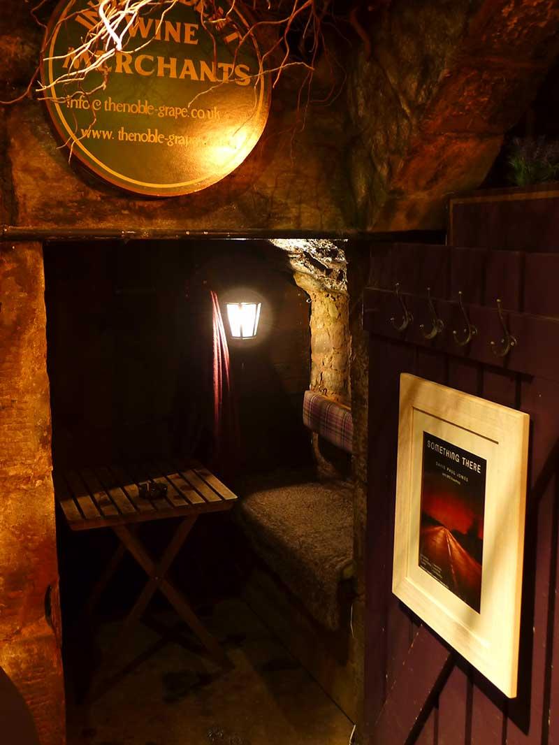 Edinburgh Food Safari - Pickles secret drinking shed!