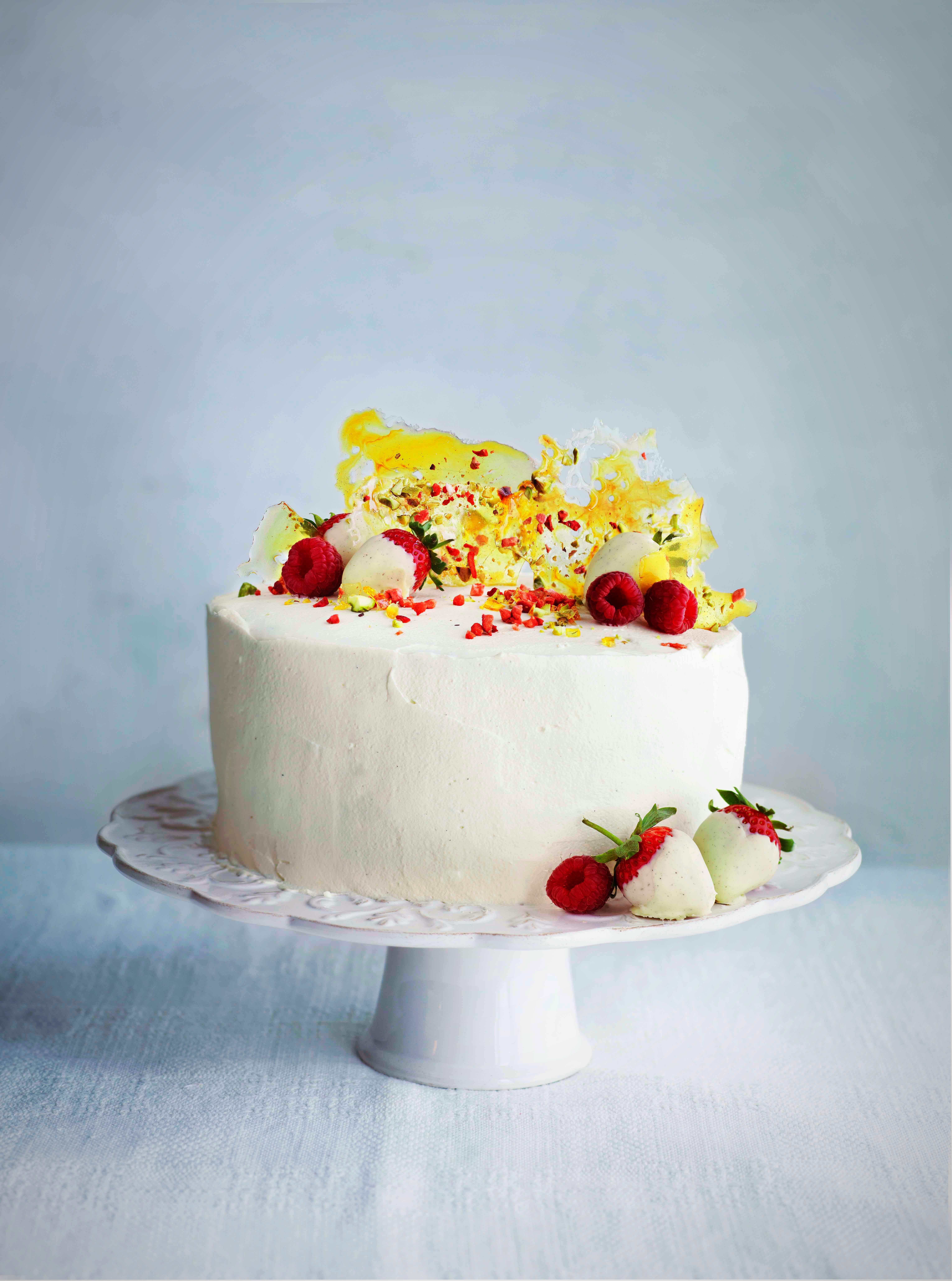Recipe: Strawberry Pimms Showstopper Cake for Wimbledon