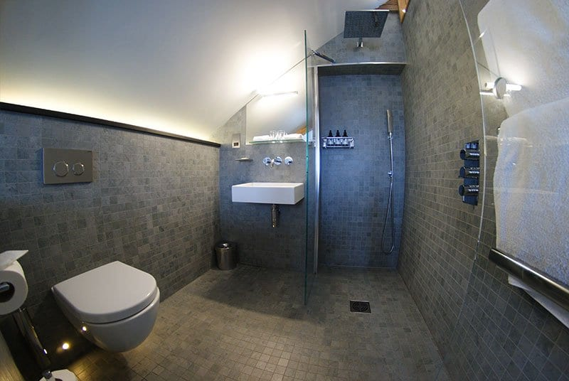 Chapel House, Penzance - ensuite shower and toilet
