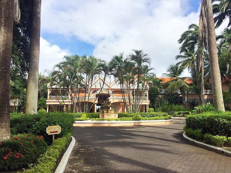 Exterior shot of Coco Reef resort