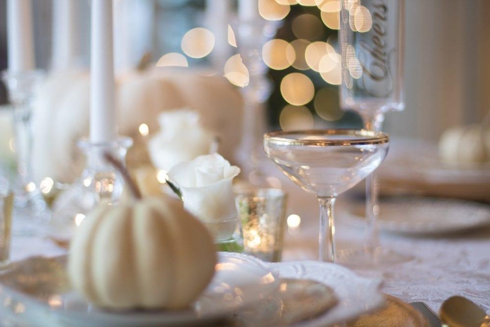 Christmas table champagne