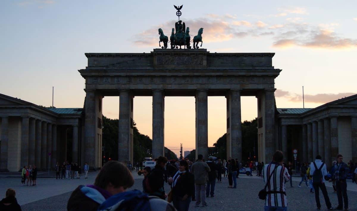 brandenburg gate sunset dusk foodie explorers
