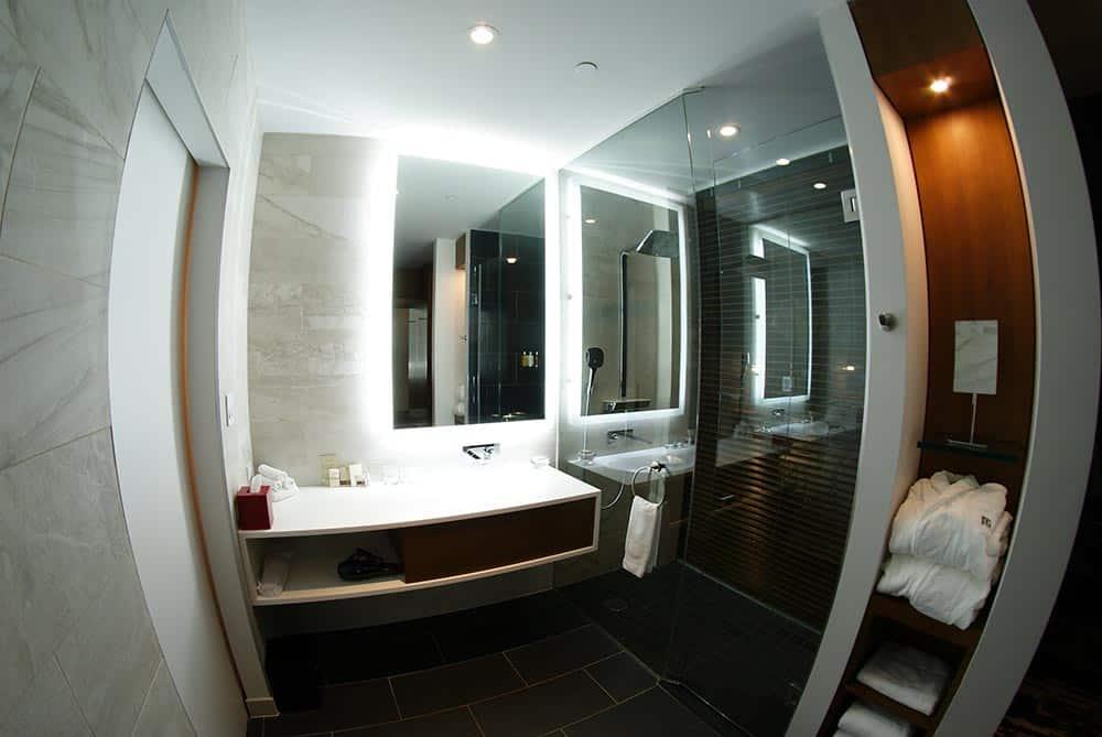 Le Germain Hotel Toronto Mercer bathroom