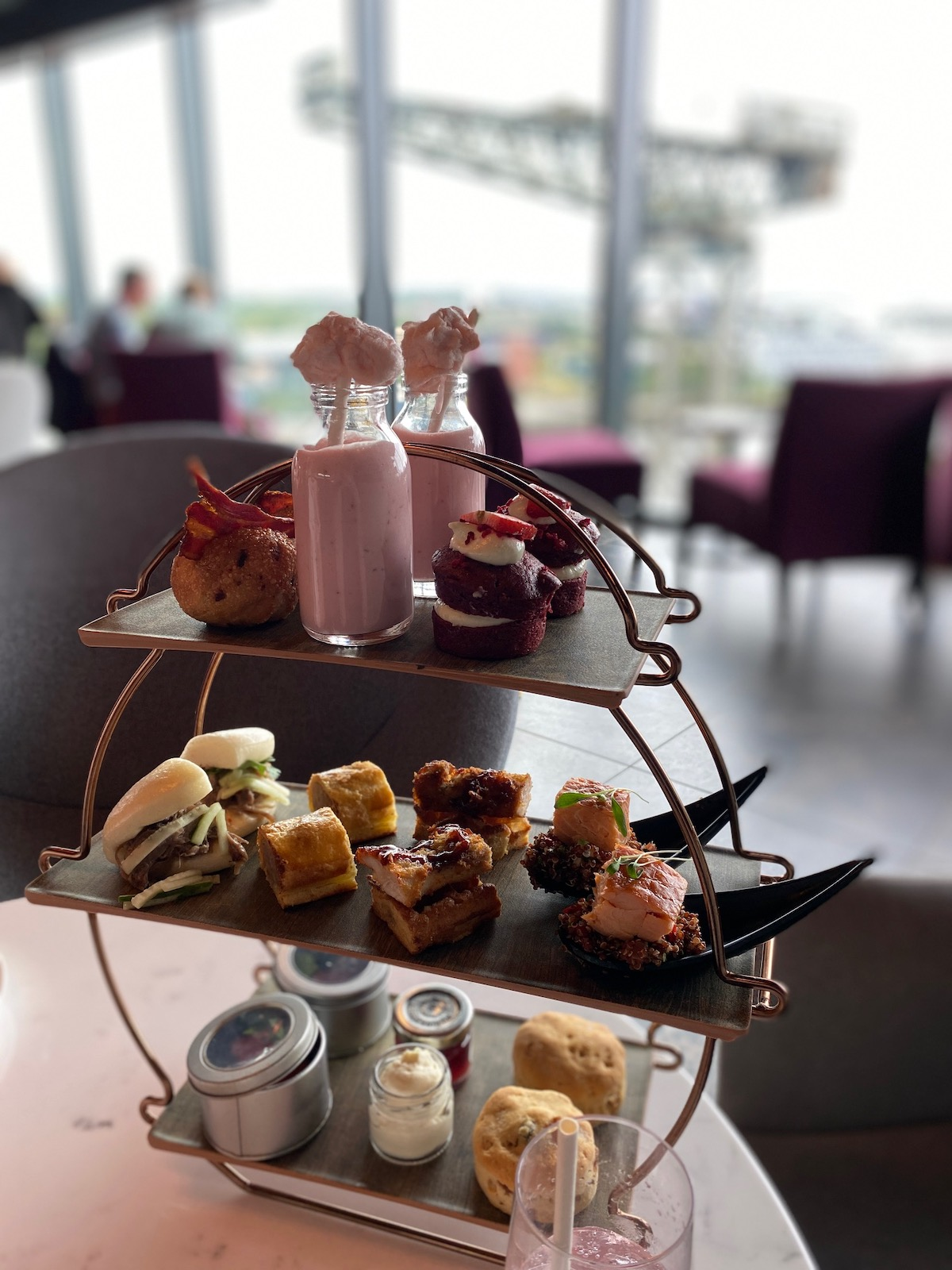 radisson red glasgow afternoon tea