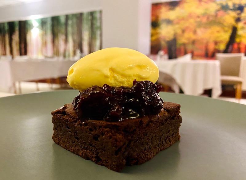 Seasons View restaurant chocolate brownie pudding