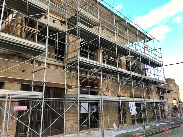 Herculaneum scaffolding