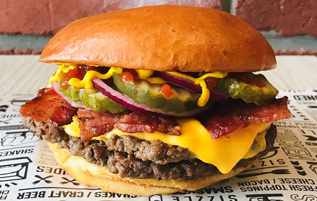 Smashburger UK Classic Bacon Cheeseburger